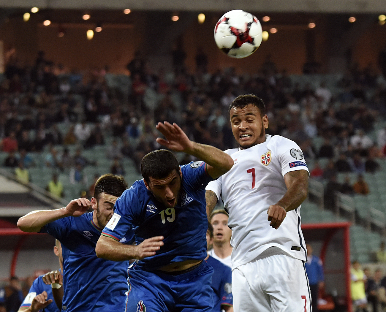 Azerbaijan's midfielder Rahid Amirguliyev (front L) vies with Norway's forward Joshua King during the WC 2018 football qualification match between Azerbaijan and Norway in Baku on October 8, 2016. / AFP / TOFIK BABAYEV (Photo credit should read TOFIK BABAYEV/AFP/Getty Images)