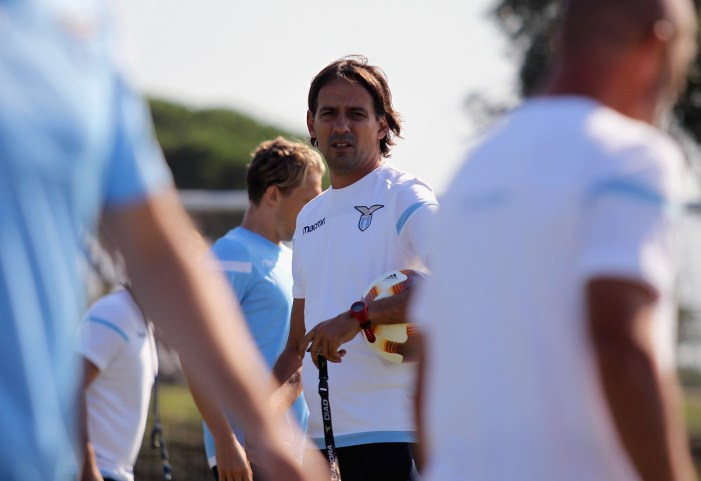 ROME, ITALY - SEPTEMBER 13: SS Lazio head coach Simone Inzaghi looks on during the SS Lazio training session on September 13, 2017 in Rome, Italy. (Photo by Paolo Bruno/Getty Images)