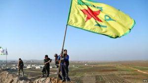 Combattenti dell'Ypg sulle coline attorno a Kobane