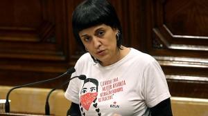 Anna Gabriel annuncia il voto di fiducia della Cup a Puigdemont