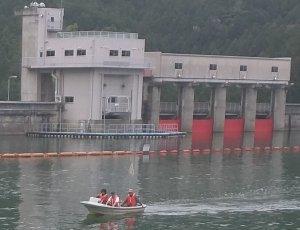 津風呂湖湖川