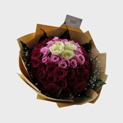 باقة كبيرة 60 وردة متعددة الألوان