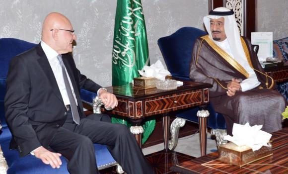 Crown Prince Salman, right, is shown meeting with Lebanese Prime Minister Tammam Salam in Jeddah Tuesday. (SPA)