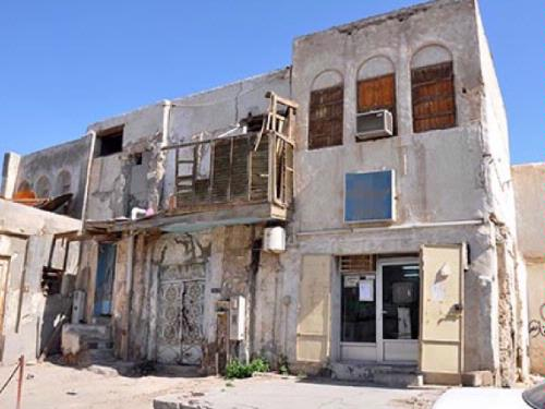 Ancient houses in the historic districts of Al-Ahsa are on the verge of extinction and experts ask the authorities to make serious efforts to preserve the region's archeological heritage. — Courtesy photo