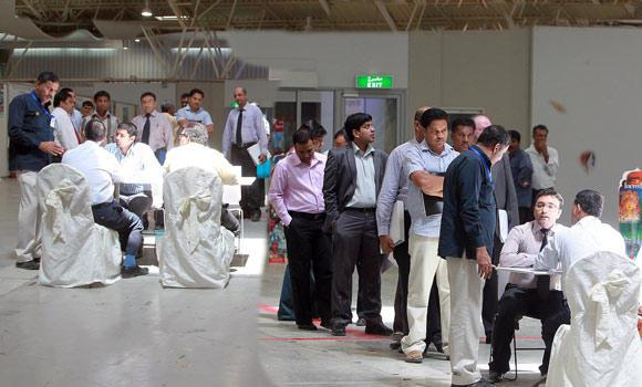 Expat-workers-gather-in-a-job-fair