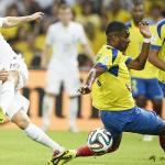 France fire blanks, Ecuador eliminated