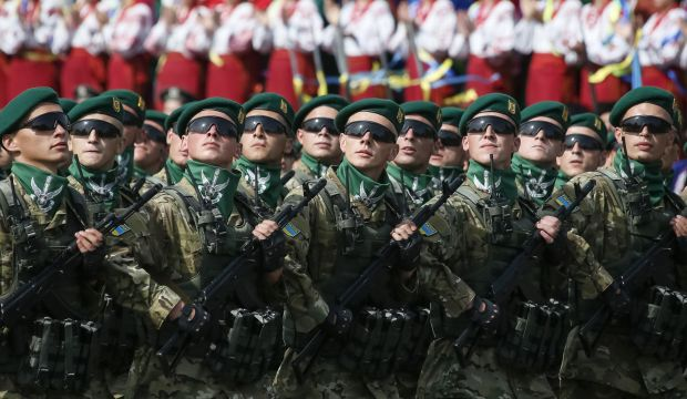 Border guards march during Ukraine's Independence Day military parade, in the centre of Kiev August 24, 2014.