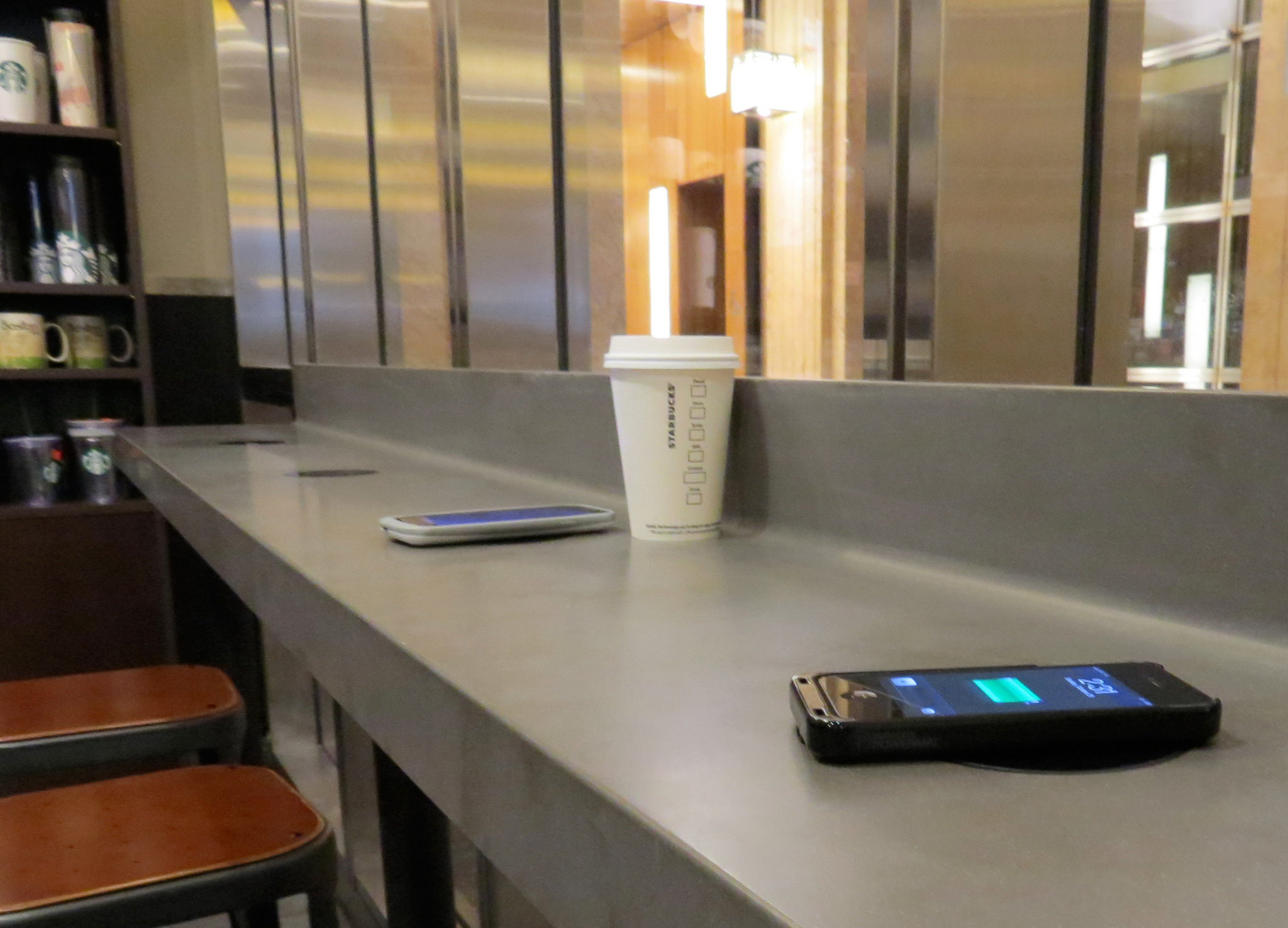 Starbucks plans to have wireless charging stations in all its company-owned stores in major United States markets by the end of 2015.