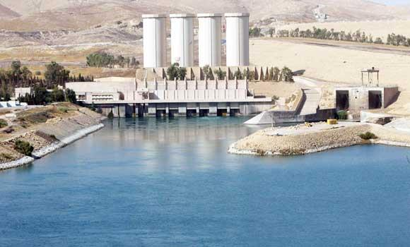 A general view shows the Mosul dam on the Tigris River around 50 kilometres north of the northern Iraqi city of Mosul, in this 31 October 2007 file photo.