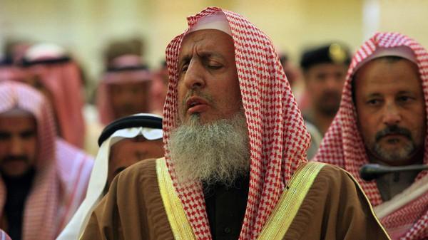 Grand Mufti Sheikh Abdulaziz al-Sheikh.