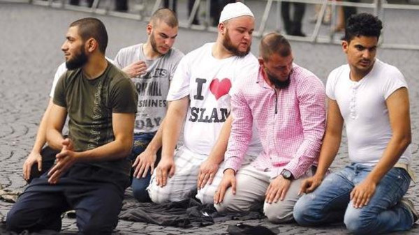 Muslims praying in Frankfurt.