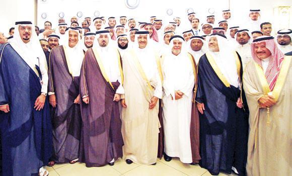 Prince Sultan bin Salman, SCTA president, and Makkah Gov. Prince Mishaal bin Abdullah with Yousuf Jameel and other dignitaries after opening Anjum Hotel-Makkah on Thursday.