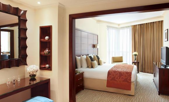 Diplomatic-Suite_Bedroom-1