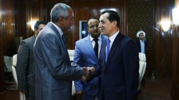 Libya's self-declared prime minister, Omar al-Hasi (L), meets with Turkey's special envoy for Libya, Emrullah Isler (R).
