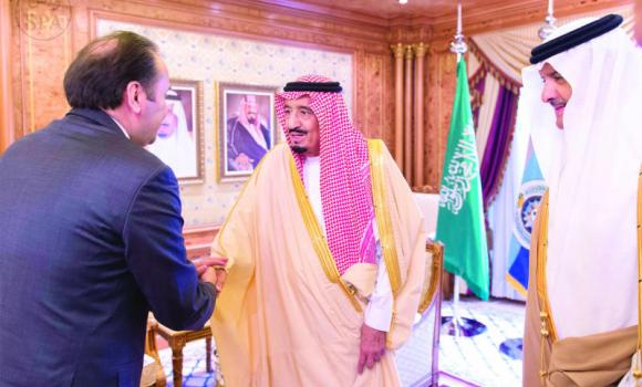 Crown Prince Salman, deputy premier and minister of defense, receives Serbian Deputy Premier and Trade, Tourism and Communications Minister Rasim Ljajic at his palace in Riyadh on Sunday. (SPA)