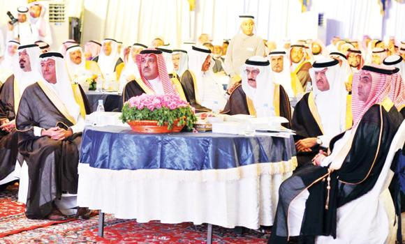 Municipal and Rural Affairs Minister Prince Mansour bin Miteb, SCTA President Prince Sultan bin Salman and Madinah Gov. Prince Faisal bin Salman at the opening of the investment forum in Yanbu on Wednesday. (SPA)
