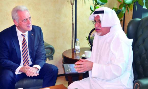 Peter Ramsauer during his meeting with CSC Chairman Abdulrahman Al-Zamil.