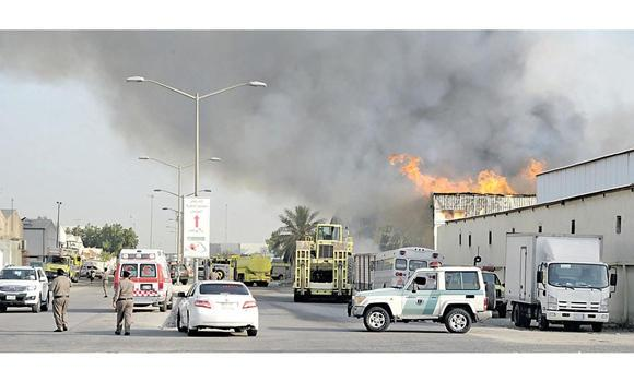 Firefighters managed to control a huge fire at the first industrial city in Dammam.