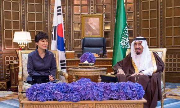 Custodian of the Two Holy Mosques King Salman meets with South Korean President Park Geun-hye at his office in Riyadh on Tuesday. (SPA)