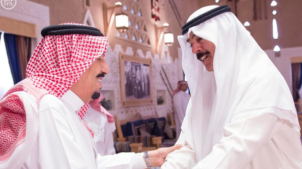 King Salman receives Bahraini crown prince, Qatari premier and Kuwaiti minister of Interior. (SPA)