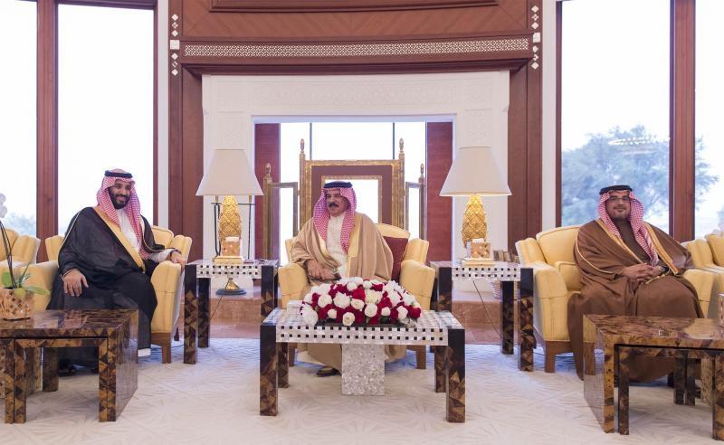 Bahrain's King Hamad bin Isa al-Khalifa and Prince Mohammad bin Salman 1