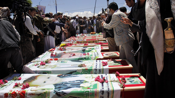Fighting in southern Yemeni towns between militias and loyalists of exiled President Abdrabbo Mansour Hadi killed at least 27 people.