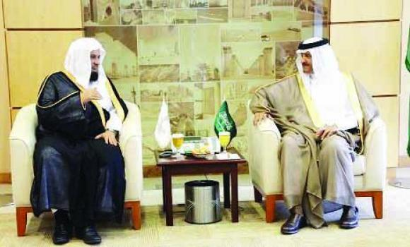 SCTA President Prince Sultan bin Salman with Haia chief Abdul Rahman Al-Sanad.