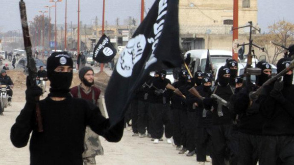 ISIS fighters pushed back rival insurgents north of Aleppo on Sunday near the Turkish border.