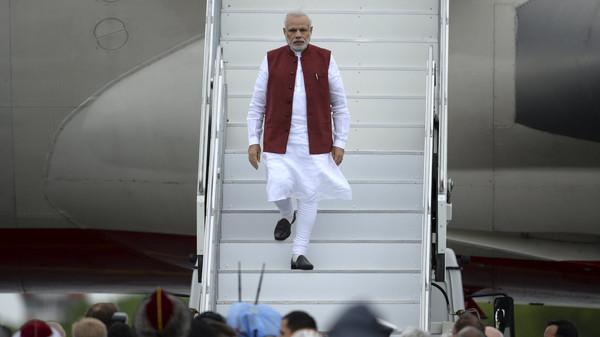 Indian Prime Minister Narendra Modi arrivs in Ufa, Russia tp attend the BRICS summit.