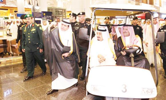 King Salman and Madinah Gov. Prince Faisal bin Salman inspect the state-of-the-art facilities at the airport.