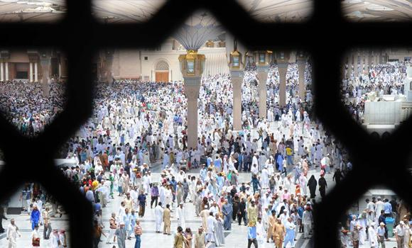 Worshippers are seen in the courtyard of the Prophet's Mosque in Madinah after Friday prayers. (SPA)