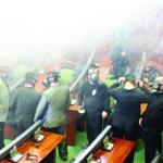 Kosovo lawmakers use tear gas to block Parliament