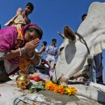 Mob in India kills Muslim man who was transporting cow