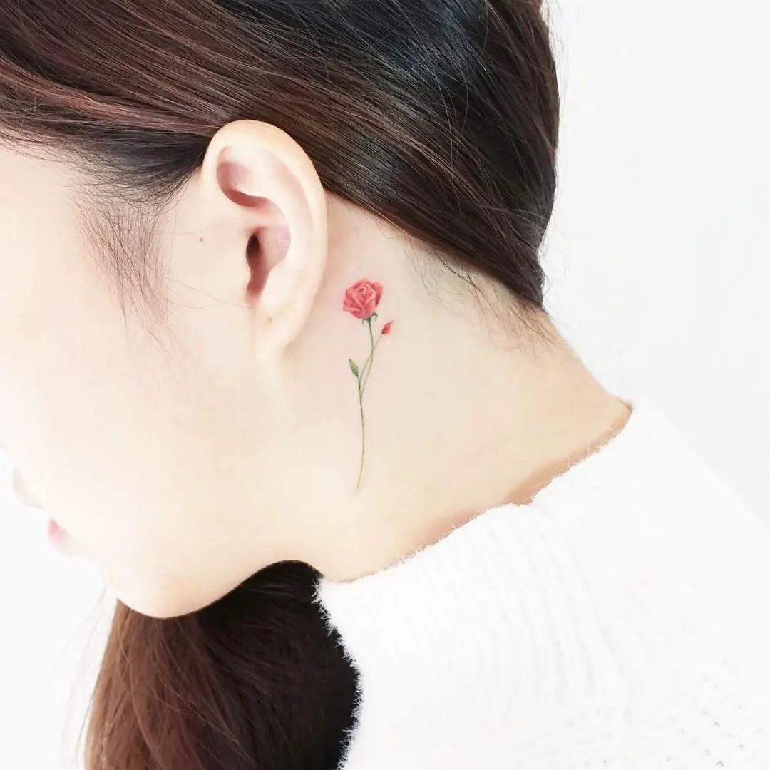 Tatuajes En El Cuello Dulce Para Mujeres