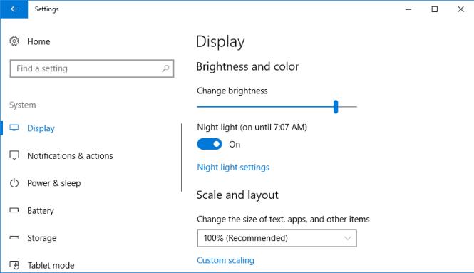 Windows 10 Display Settings page