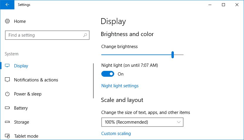 Windows 10 Display Settings page