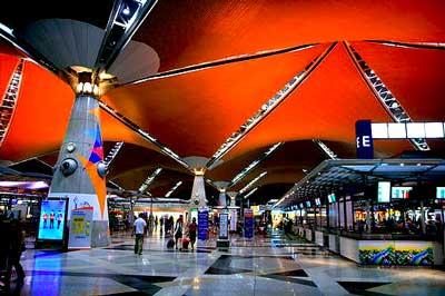 Kuala-Lumpur-International-Airport-In-night