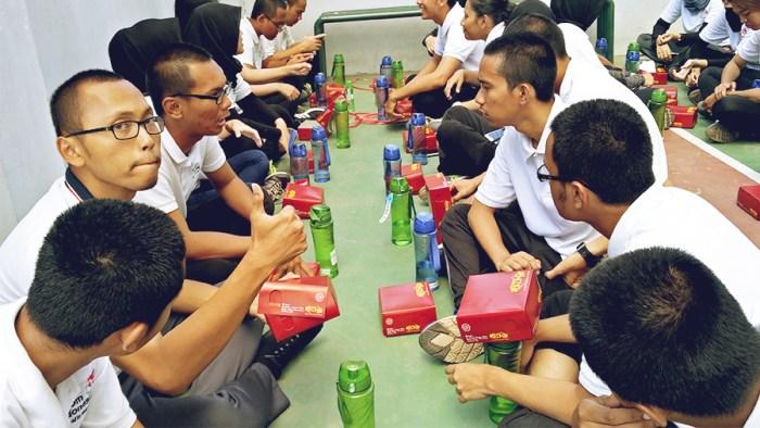 Makan bersama rekan-rekan gptp 6 telkom