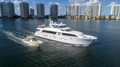 Anthem, luxury charter yacht in Florida