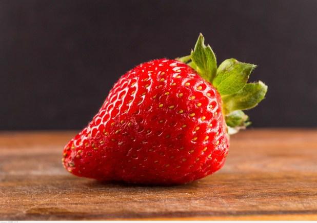 فوائد واضرار الفراولة