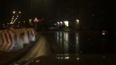 Photo of فيديو: عيون قطط تحذيرية تنهي معاناة مرتادي شارع الحوادث الغامضة بالرياض