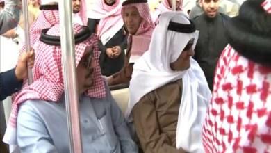 Photo of فيديو: سلطان بن سلمان يمازح طياراً أمام أمير الرياض بالثمامة