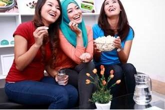 Photo of تزامن الدورة الشهرية مع صديقتك مجرد خرافة؟!