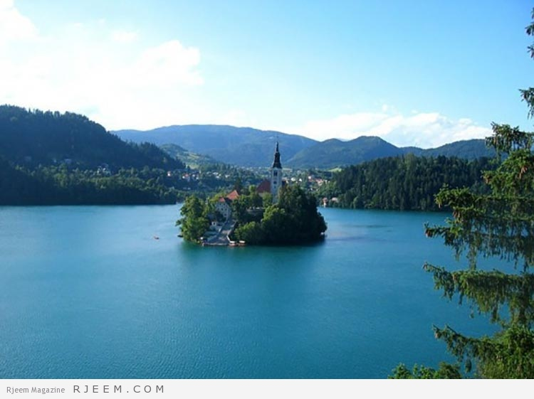 جزيرة الكنيسة بحيرة بليد في سلوفينيا
