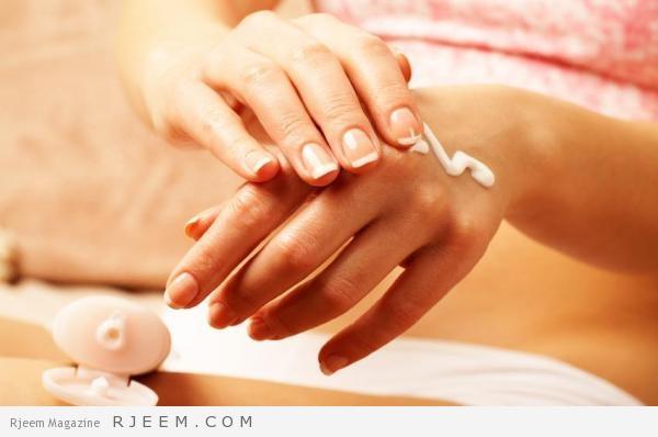 Photo of كيف نقوم بترطيب الأيادي الجافة