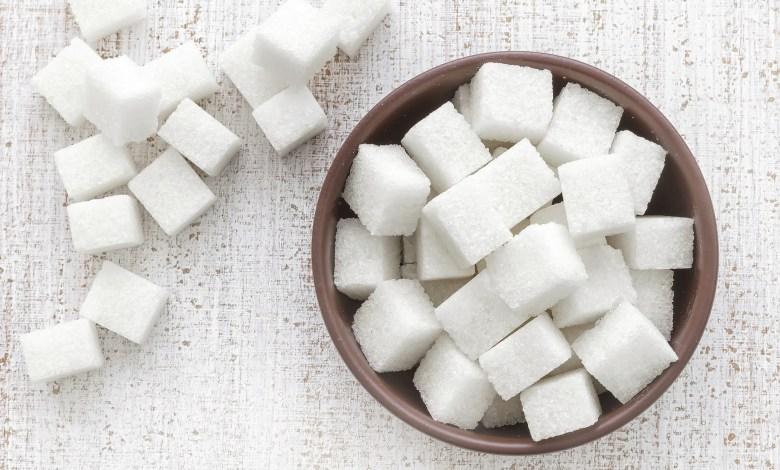 Photo of إشارات صحية تدل على نقص السكر في الدم