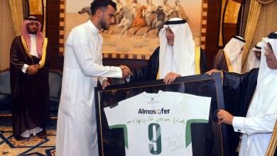 Photo of السومة يشكر الأمير خالد الفيصل على مأدبة الإفطار والاطمئنان على صحته