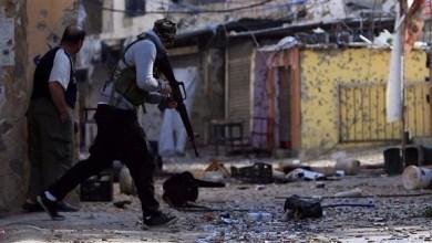 Photo of بالفيديو: تصاعد الاشتباكات في مخيم عين الحلوة