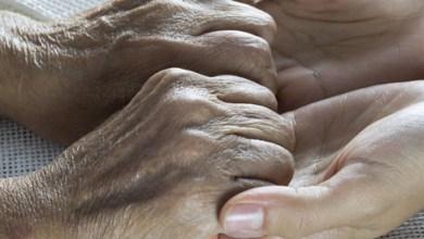 Photo of نصائح صحية لمزودي الرعاية اليومية للمسنين وذوي الاحتياجات الخاصة