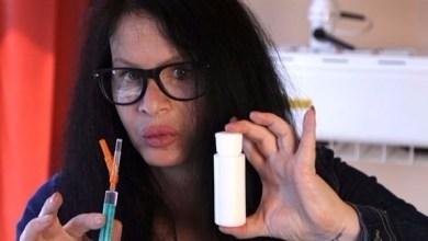 Photo of تحقن نفسها بالبكتيريا لتمنع ظهور علامات الشيخوخة